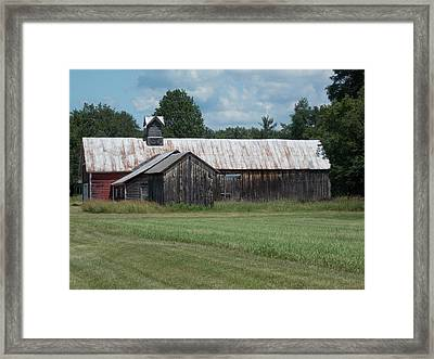 Old Barn In Vermont Framed Print