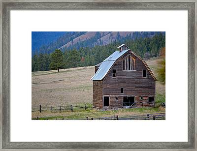 Old Barn In Washington Framed Print