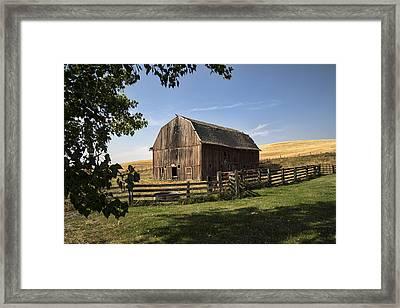 Old Barn On The Palouse Framed Print