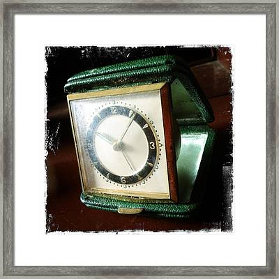 Old Clock Framed Print by Les Cunliffe