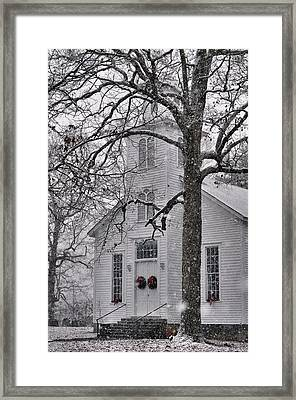 Old Fashioned Christmas - C5548a Framed Print by Paul Lyndon Phillips