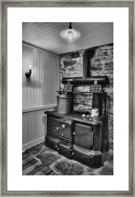 Old Fashioned Richardson And Bounton Company Perfect Stove. Framed Print by Susan Candelario