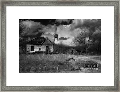 Old Georgia Farm Framed Print by Richard Rizzo