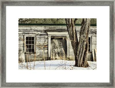 Old House By The Road Framed Print by Susan Capuano
