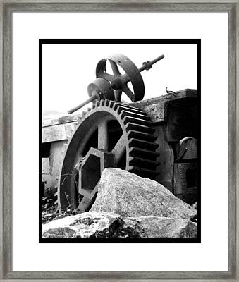 Old Mill Of Guilford Gears Black And White Framed Print by Sandi OReilly