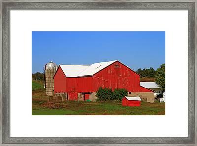 Old Red Barn In Ohio Framed Print