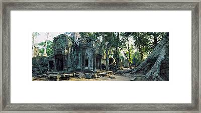 Old Ruins Of A Building, Angkor Wat Framed Print by Panoramic Images