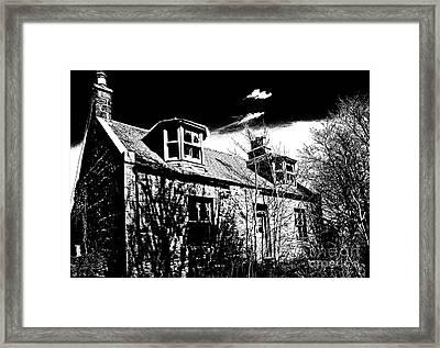 Old Scottish Farmhouse Framed Print by Liz  Alderdice