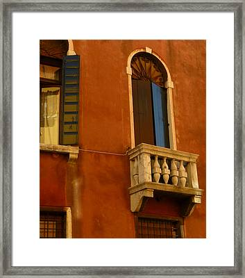 Venetian Old Sienna Walls  Framed Print by Connie Handscomb