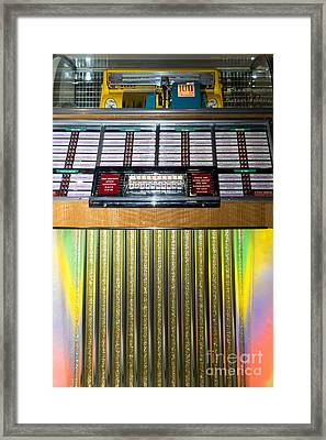 Old Vintage Seeburg Jukebox Dsc2763 Framed Print by Wingsdomain Art and Photography