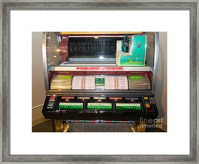 Old Vintage Seeburg Jukebox Dsc2764 Framed Print by Wingsdomain Art and Photography