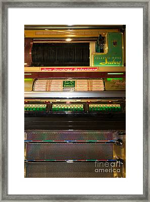 Old Vintage Seeburg Jukebox Dsc2768 Framed Print by Wingsdomain Art and Photography