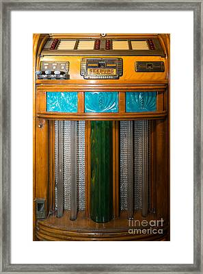 Old Vintage Seeburg Jukebox Dsc2802 Framed Print by Wingsdomain Art and Photography