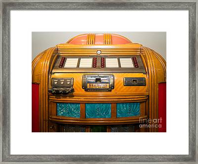 Old Vintage Seeburg Jukebox Dsc2804 Framed Print by Wingsdomain Art and Photography