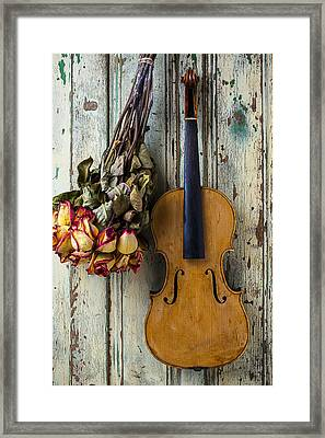 Old Violin And Dried Roses Framed Print by Garry Gay