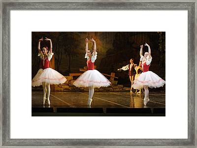 On Point Russian Ballet Framed Print by Linda Phelps