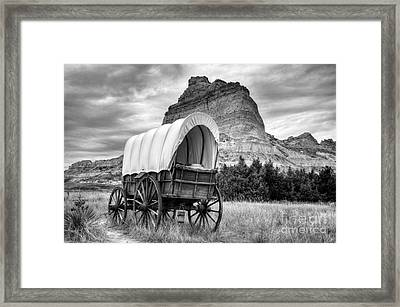 On The Oregon Trail Bw Framed Print by Mel Steinhauer