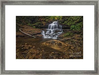 Onandaga Falls Framed Print by Roman Kurywczak