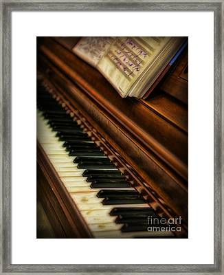 One Last Song  -  Piano Player - Pianist Framed Print by Lee Dos Santos
