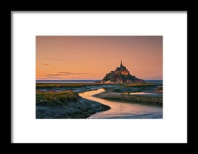 Sightseeing Framed Prints