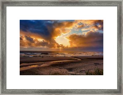 Oregon Sunset Framed Print by Dennis Bucklin