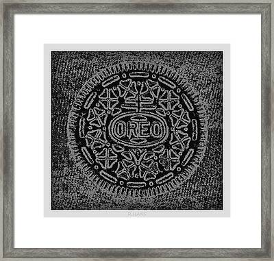 Oreo In Black And White Framed Print by Rob Hans