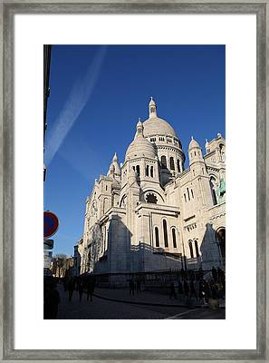 Outside The Basilica Of The Sacred Heart Of Paris - Sacre Coeur - Paris France - 01133 Framed Print by DC Photographer