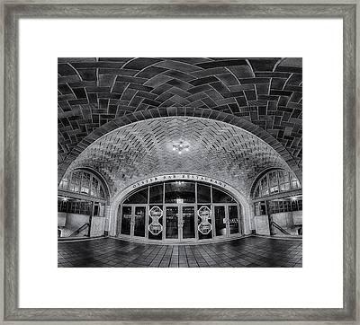 Oyster Bar Bw Framed Print by Susan Candelario