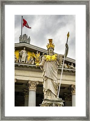 Pallas Athene Brunnen Framed Print