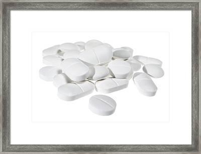 Paracetamol Tablets Framed Print by Daniel Sambraus/science Photo Library