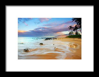 Hawaii Framed Prints