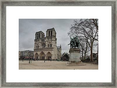 Paris France - Notre Dame De Paris - 011314 Framed Print by DC Photographer