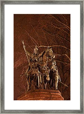 Paris France - Notre Dame De Paris - 01133 Framed Print by DC Photographer