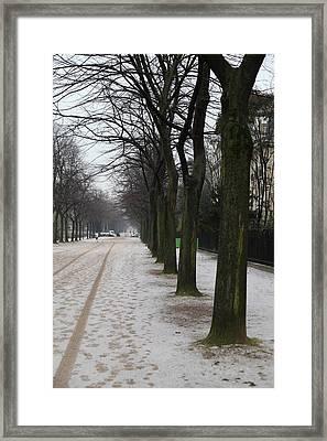 Paris France - Street Scenes - 011326 Framed Print by DC Photographer