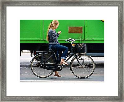 Framed Print featuring the photograph Paris Interlude by Ira Shander