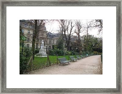 Paris Parc Monceau Gardens - Romantic Paris Park And Garden Sculpture Art  Framed Print