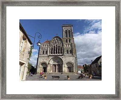 parvis de la Basilique Sainte-Marie-Madeleine de Vezelay Framed Print