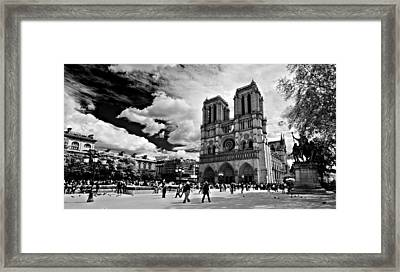 Framed Print featuring the photograph Parvis Notre Dame / Paris by Barry O Carroll