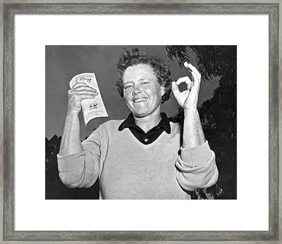 Patty Berg Shoots A 64 Framed Print by Underwood Archives