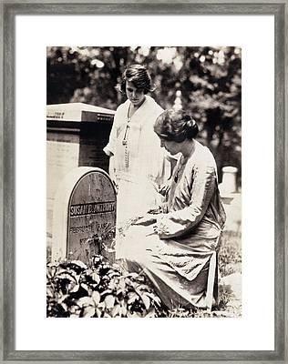 Paul & Pollitzer, 1923 Framed Print by Granger