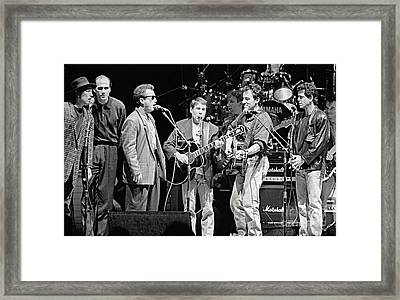 Paul Simon And Friends Framed Print by Chuck Spang
