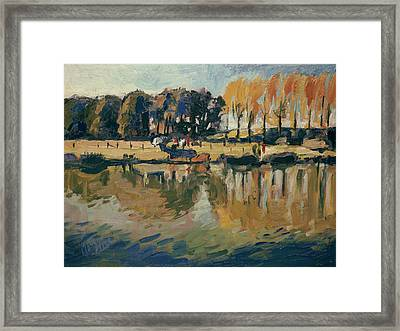Pecher A L'automne Framed Print