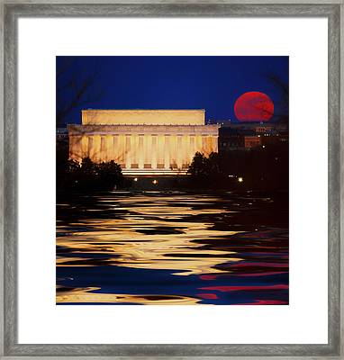 Perigee Moon Over The Lincoln Memorial Framed Print by Mountain Dreams