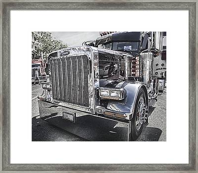 Peterbilt 2005 Framed Print by Theresa Tahara