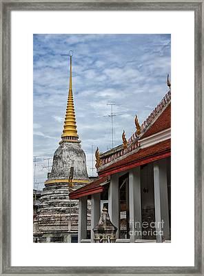 Phetchaburi Temple 01 Framed Print