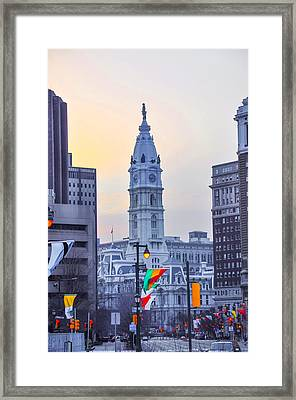 Philadelphia Cityhall In The Morning Framed Print