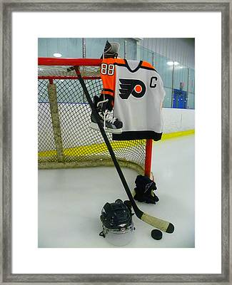 Philadelphia Flyers Eric Lindros Away Hockey Jersey Framed Print by Lisa Wooten