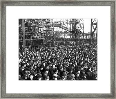 Philadelphia Shipyard Workers Framed Print by Underwood Archives