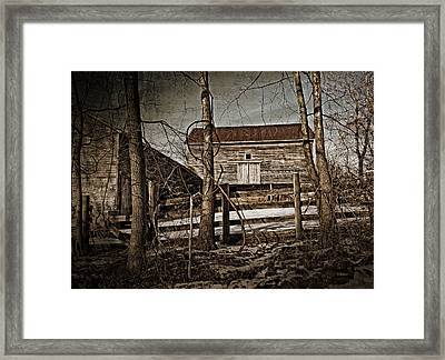 Country Barn Photograph Framed Print