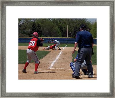 Pick Off Attempt At 1st Base Framed Print by Thomas Woolworth